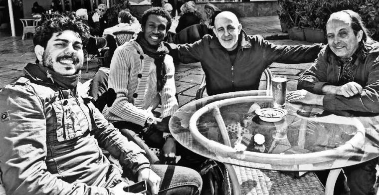 Gli Artisti di tre  continenti Mauro Di Girolamo, Baye Gaye, Jean paul Palancher, Chips Mackinolty, riflettono e si esprimono sui grandi temi di attualità, ognuno con la sua tecnica : pittura, foto, illustrazione , fumetto. Incontro avvenuto a Palermo nel 2014.